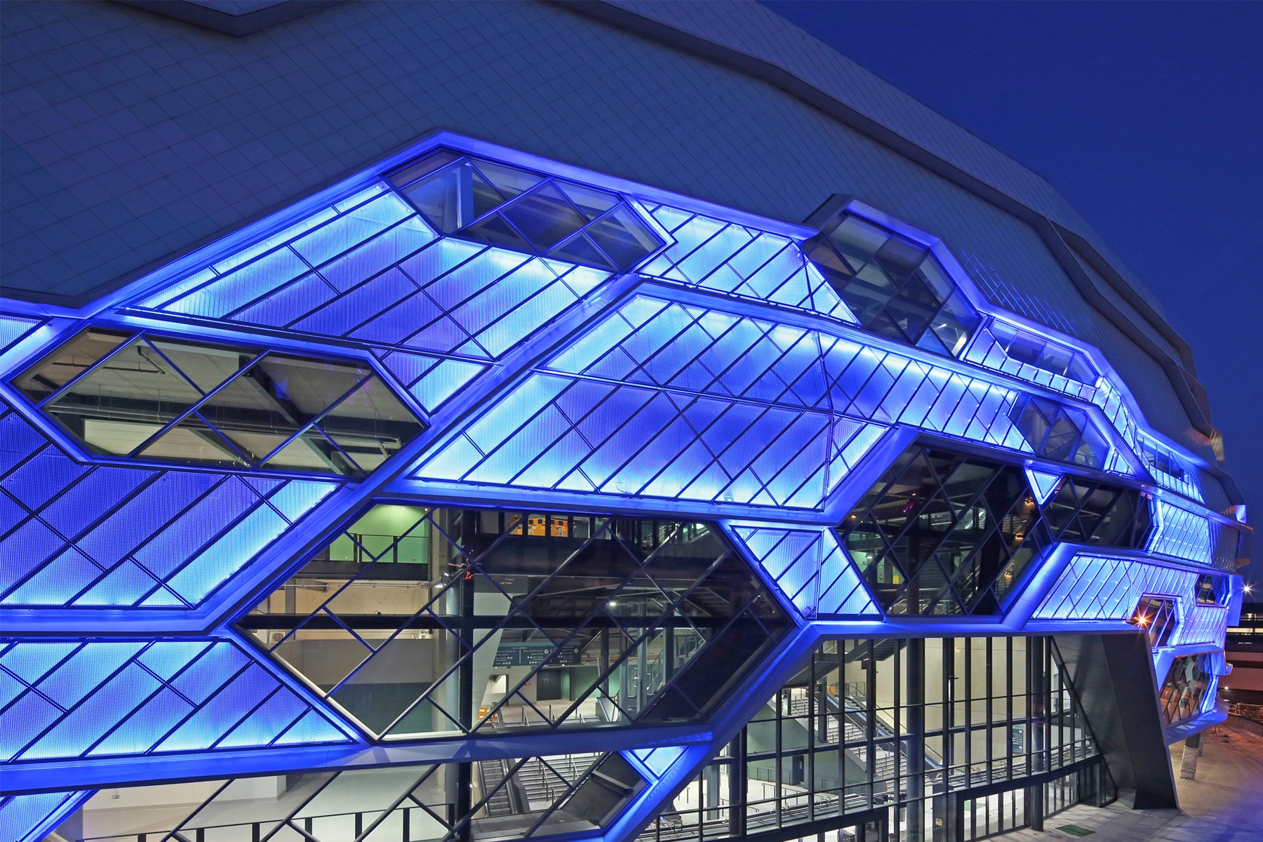 Rainscreen Cladding Leeds Arena | Punched aluminium rainscreen cladding with backlit panels