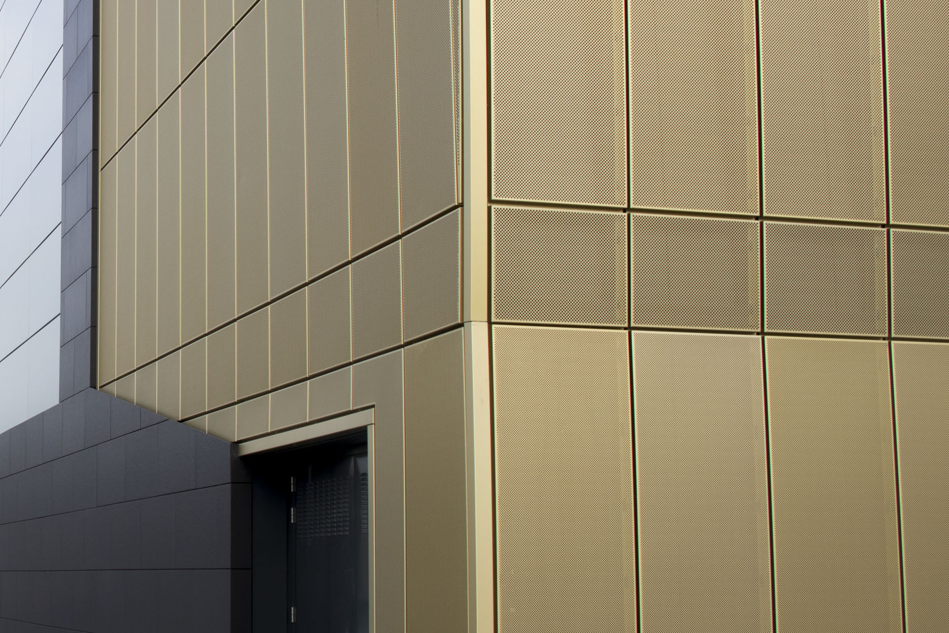 White Rose Shopping Centre Leeds - Regency Gold Rainscreen Panels