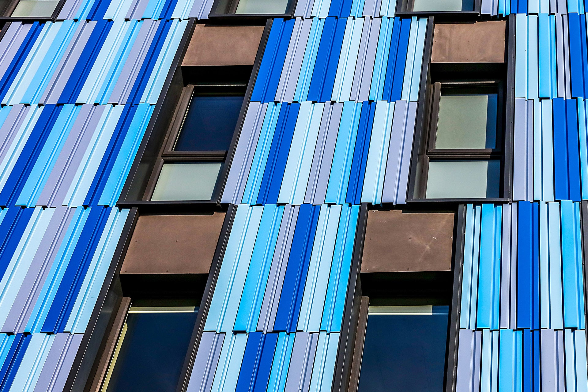 Bath Court Birmingham Extruded Aluminium Rainscreen