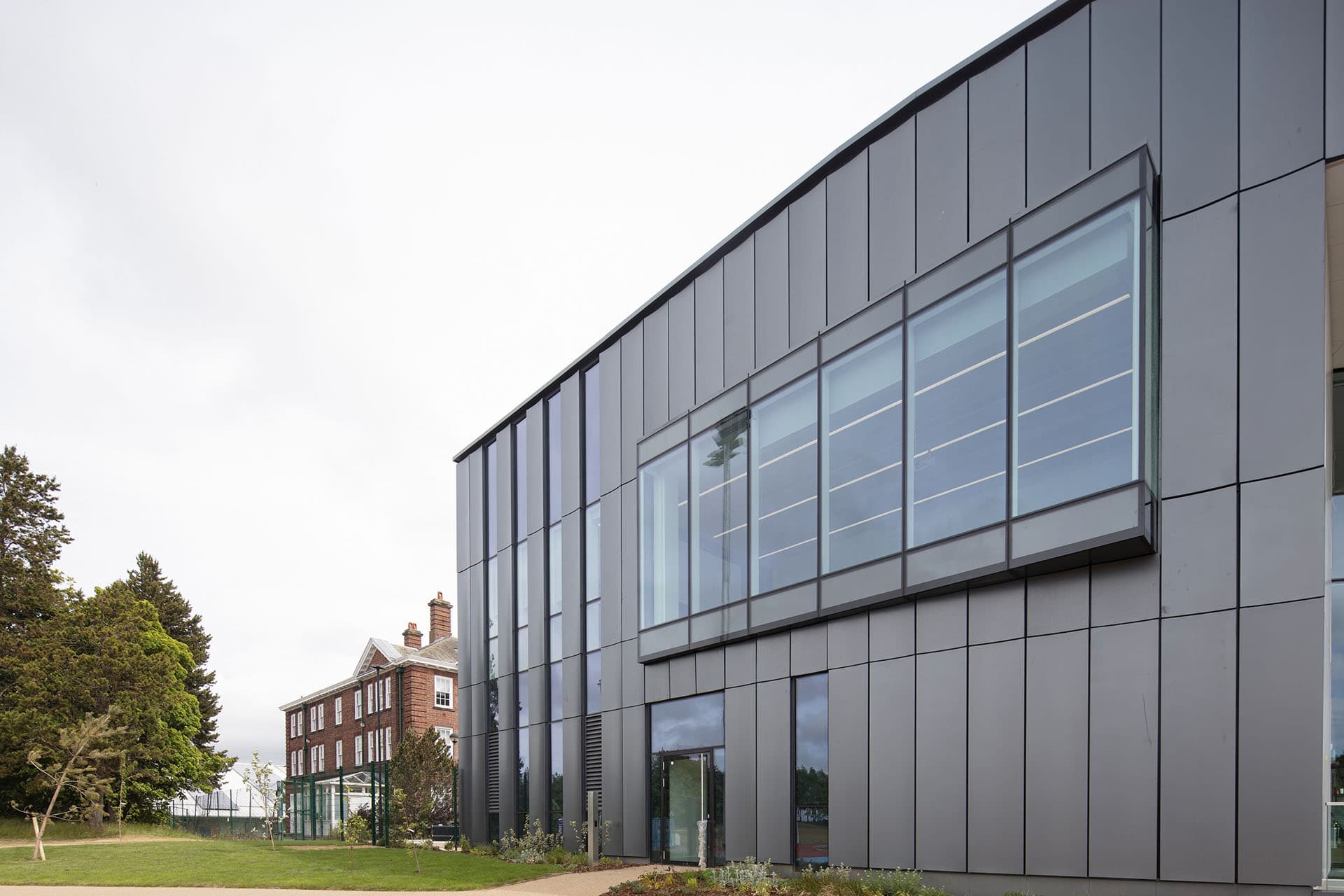 Leeds Beckett University - Secret Fix Rainscreen 2